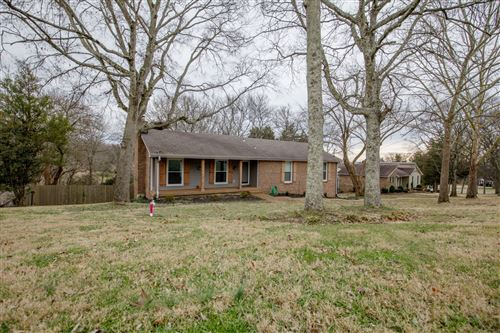 Photo of 905 W Cynthia Trl, Goodlettsville, TN 37072 (MLS # 2226432)
