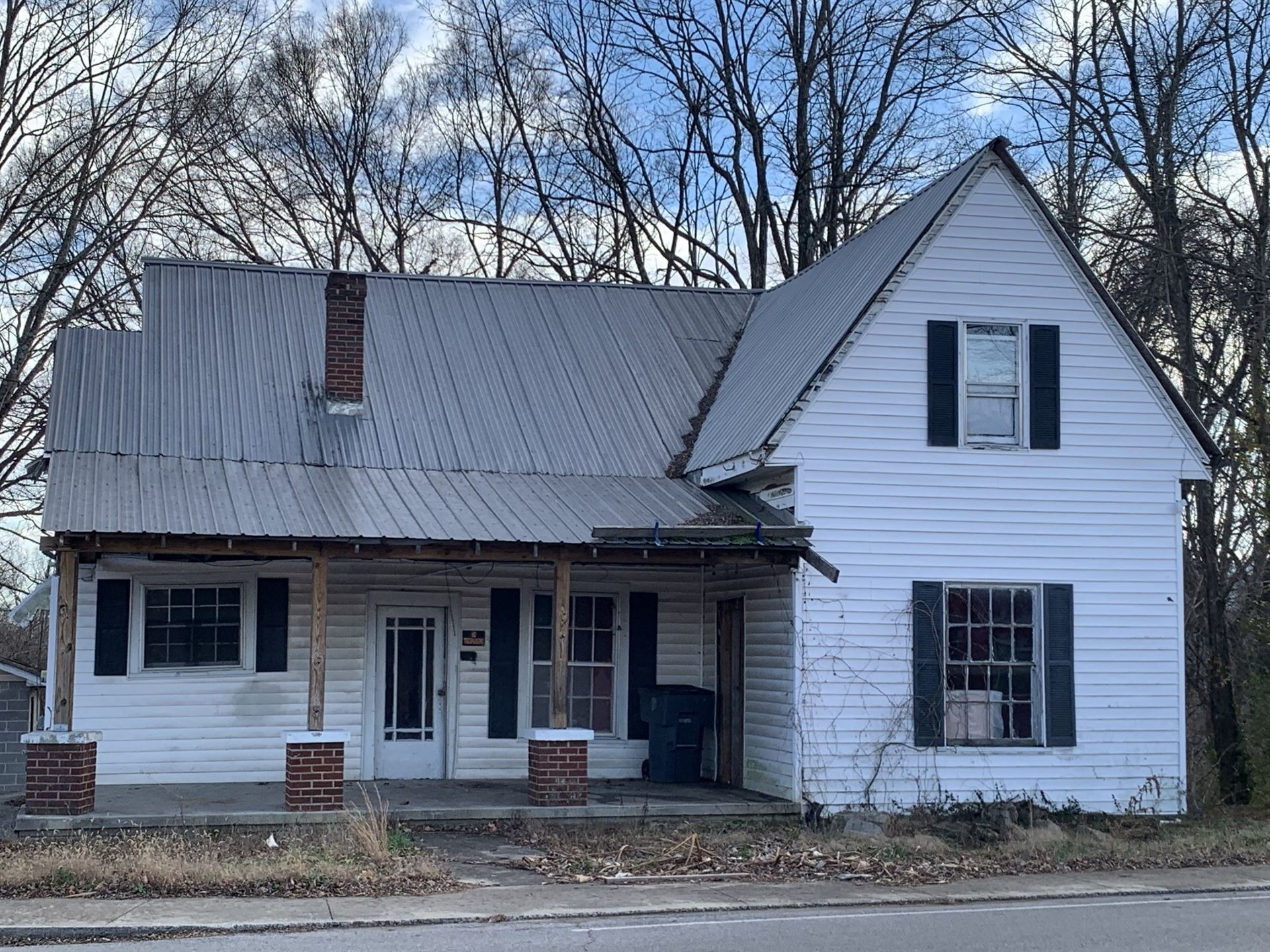 630 N Spring St, McMinnville, TN 37110 - MLS#: 2216440