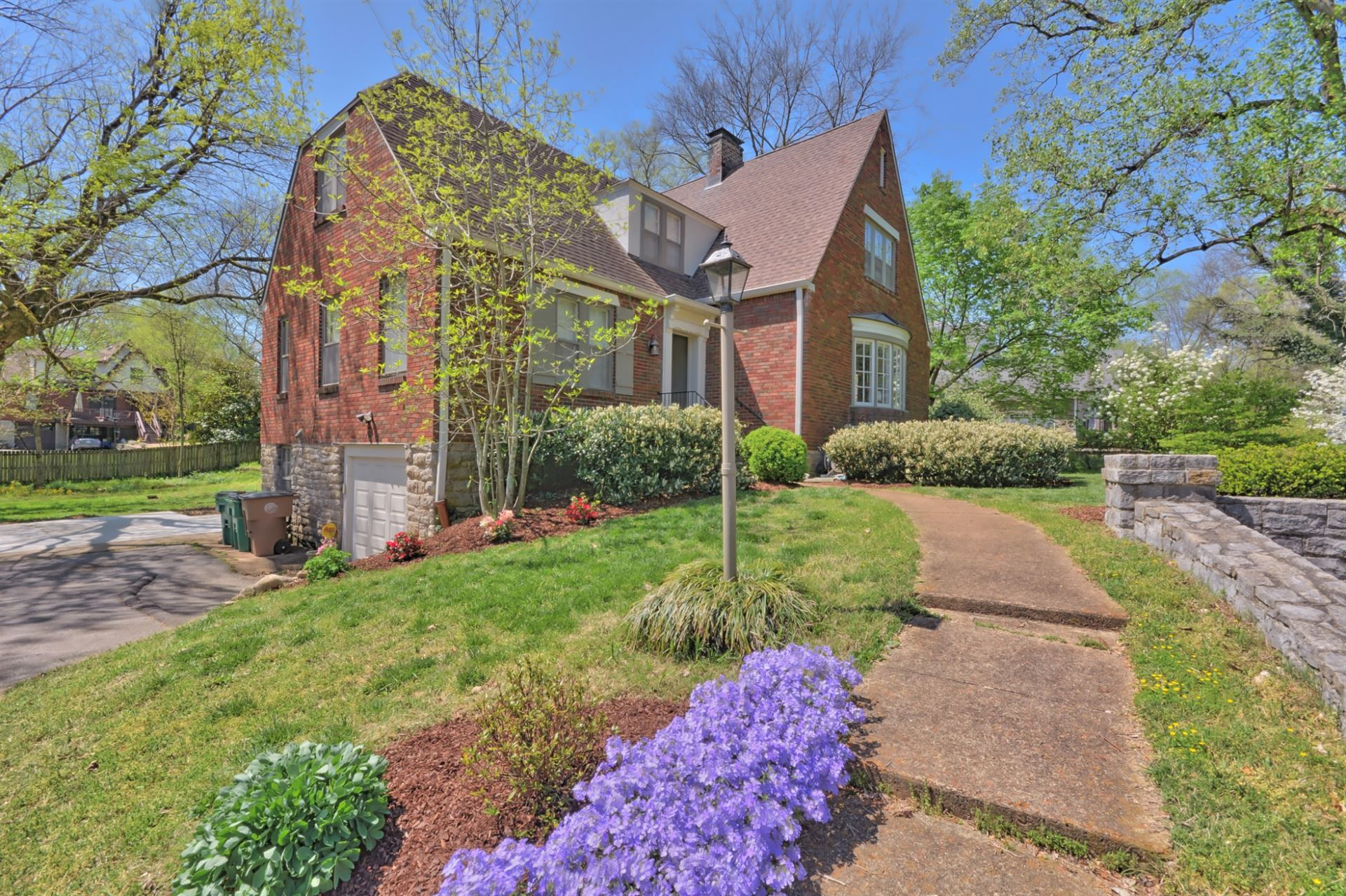 Photo of 1023 Woodmont Blvd, Nashville, TN 37204 (MLS # 2264440)