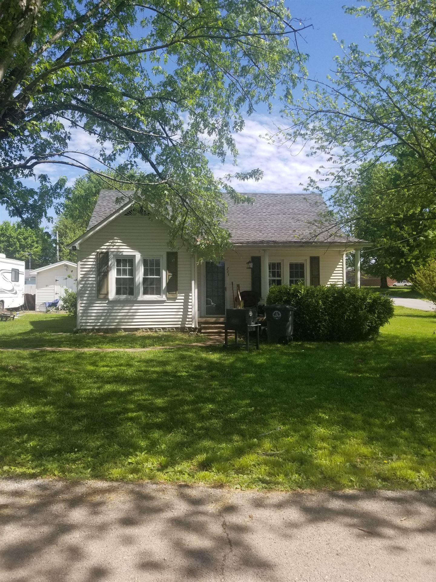 203 Walton Ave, Lafayette, TN 37083 - MLS#: 2255459