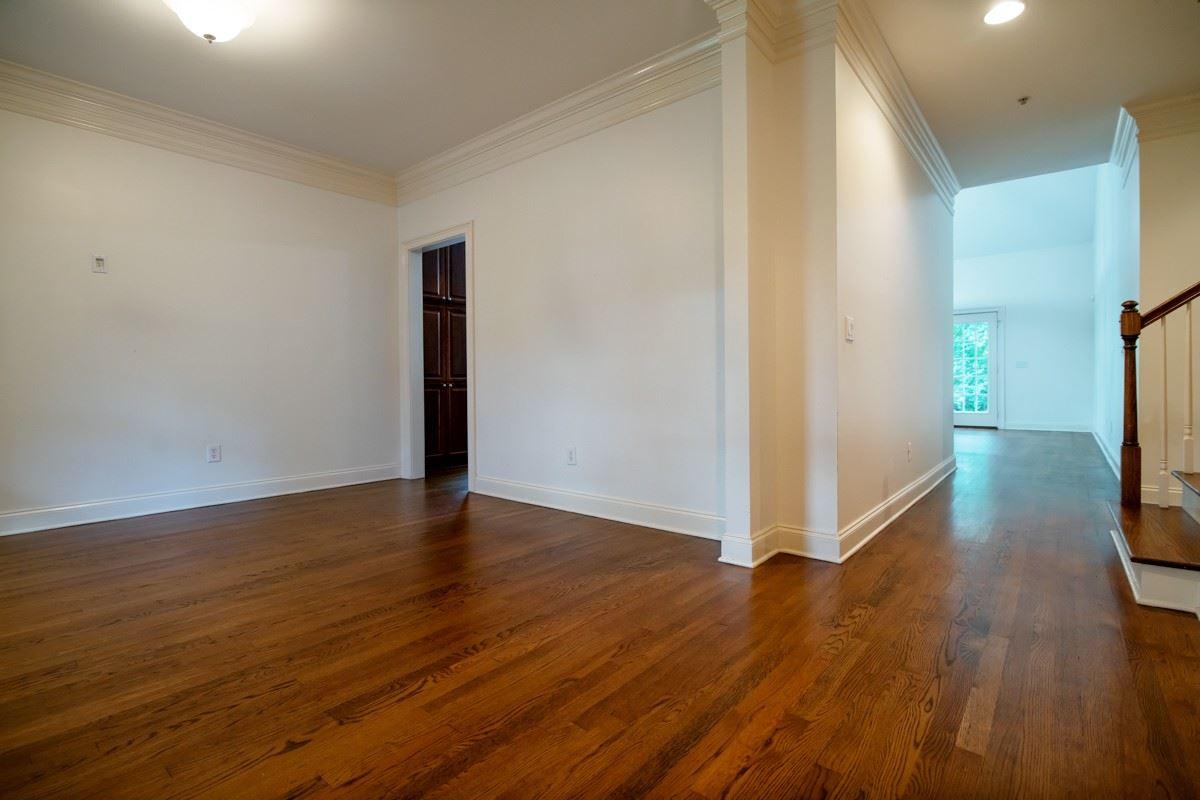 Photo of 3302B Hobbs Place, Nashville, TN 37215 (MLS # 2278467)