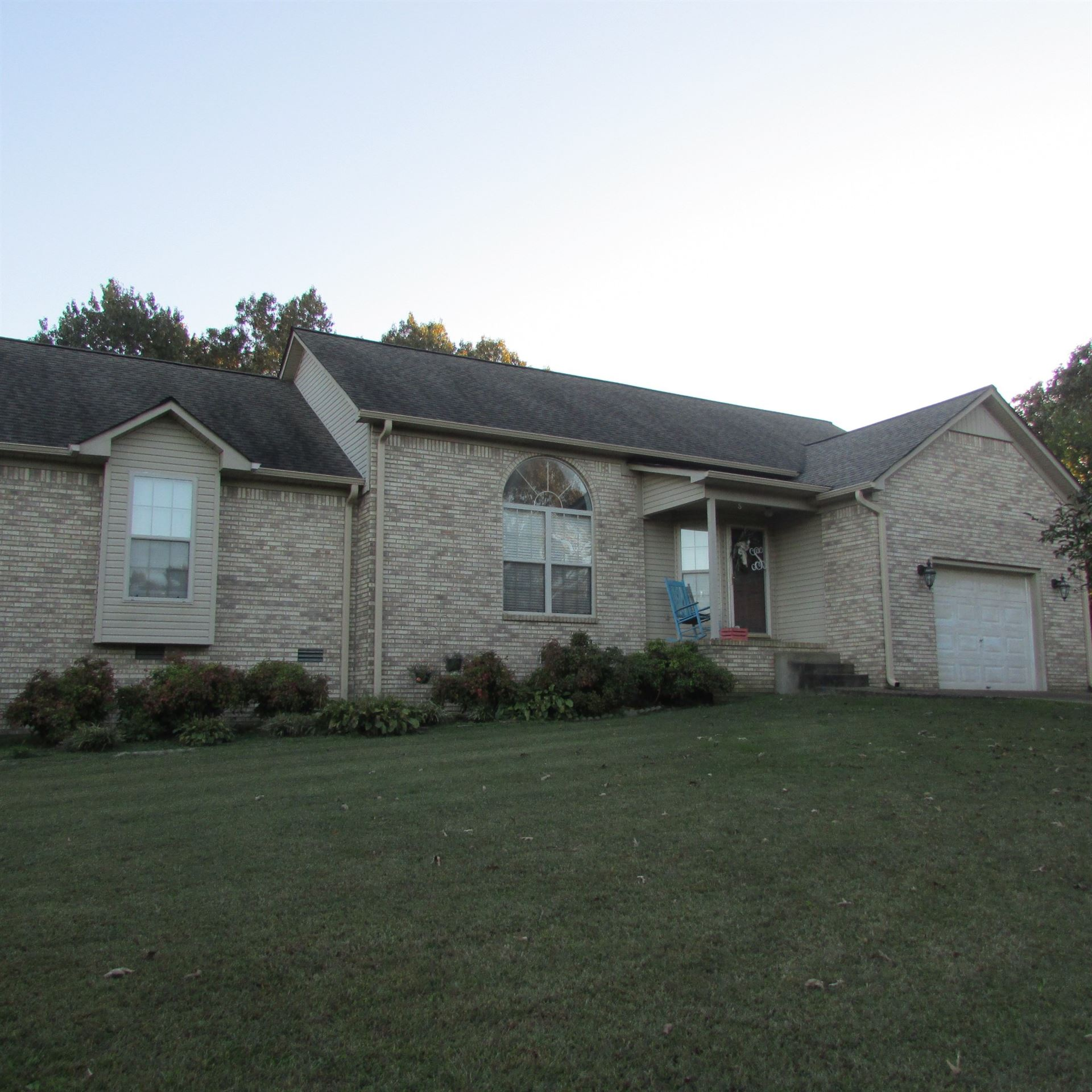 Photo of 213 W Laurel Dr W, Lawrenceburg, TN 38464 (MLS # 2199468)