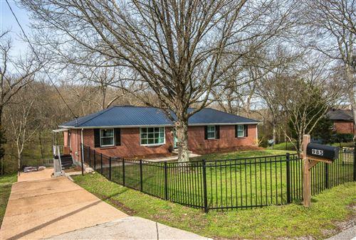 Photo of 985 Davidson Dr, Nashville, TN 37205 (MLS # 2242474)