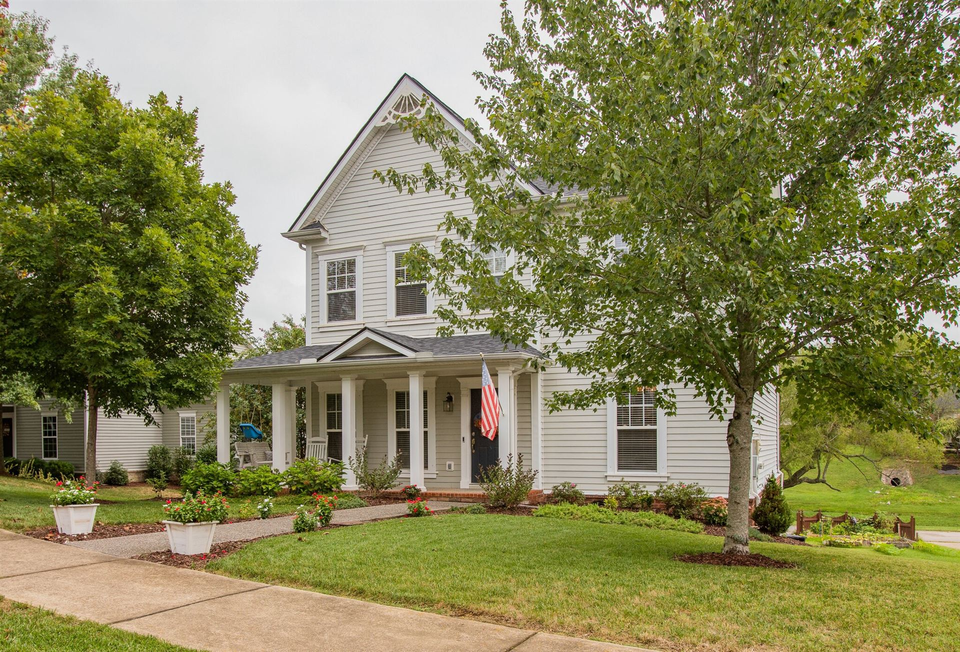 Photo of 1306 Pickwick Park Ct, Franklin, TN 37067 (MLS # 2189483)