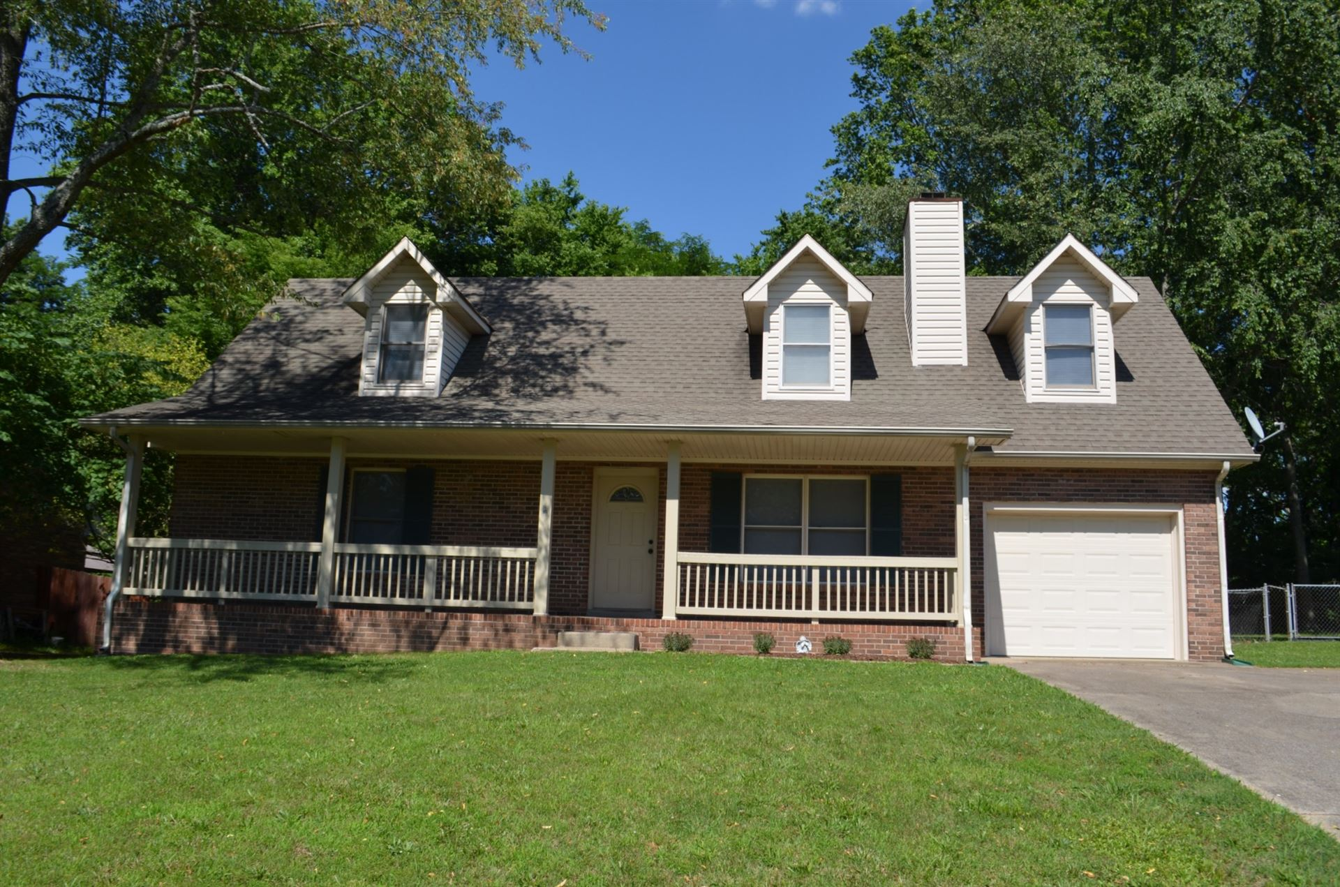 Photo of 1169 Woodbridge Dr, Clarksville, TN 37042 (MLS # 2263483)