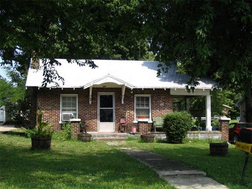 Photo of 408 Lewis Ave, Shelbyville, TN 37160 (MLS # 2105485)