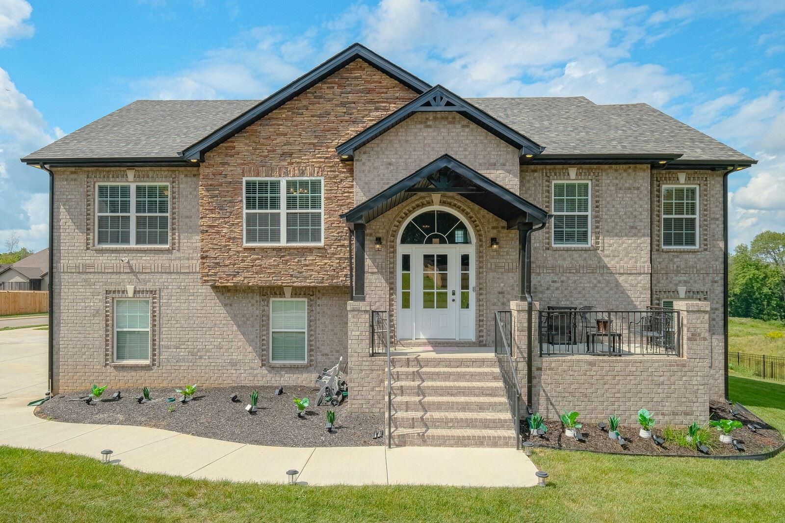 529 Cresthaven Ln, Clarksville, TN 37043 - MLS#: 2293497