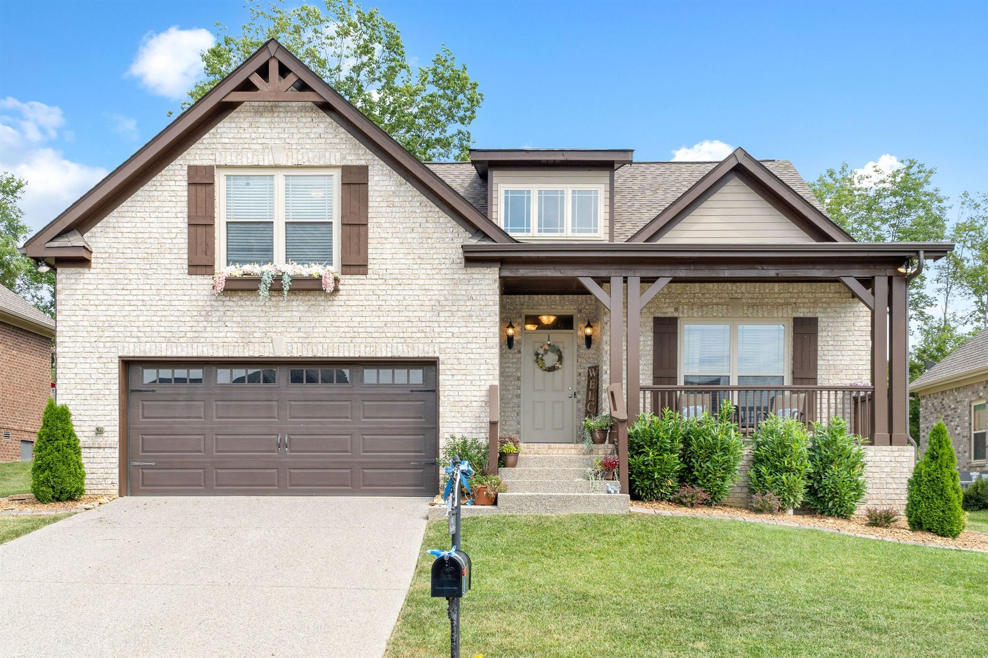 Photo of 1015 Claymill Dr, Spring Hill, TN 37174 (MLS # 2302497)
