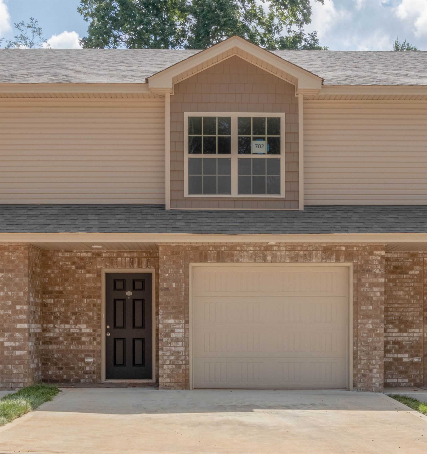 Photo for 135 Country Lane Unit 703, Clarksville, TN 37043 (MLS # 2176503)