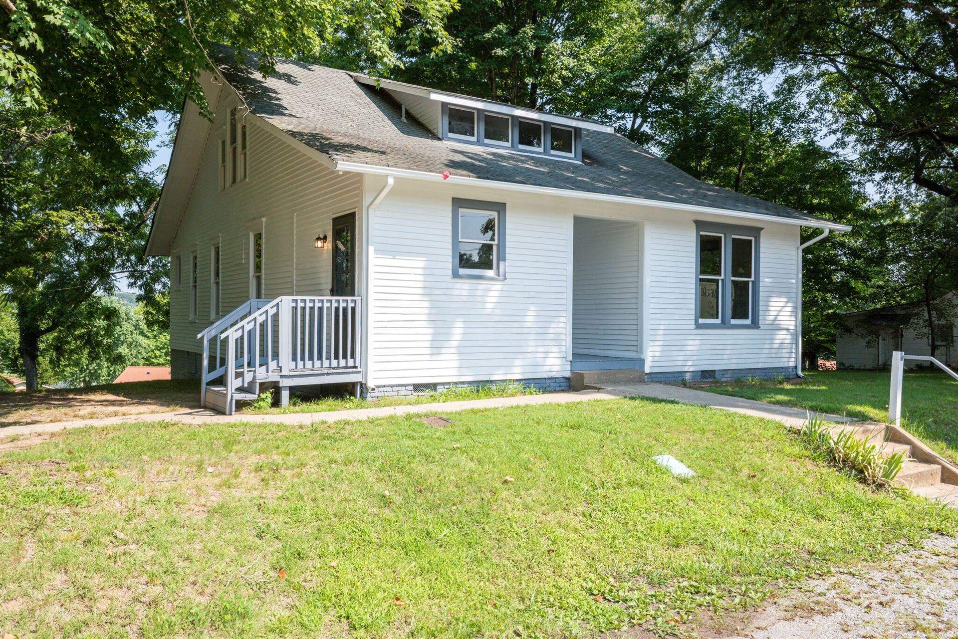 516 N Main St, Dickson, TN 37055 - MLS#: 2271512