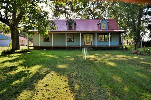 Photo of 9529 Buttermilk Ridge Rd, Lawrenceburg, TN 38464 (MLS # 2194537)