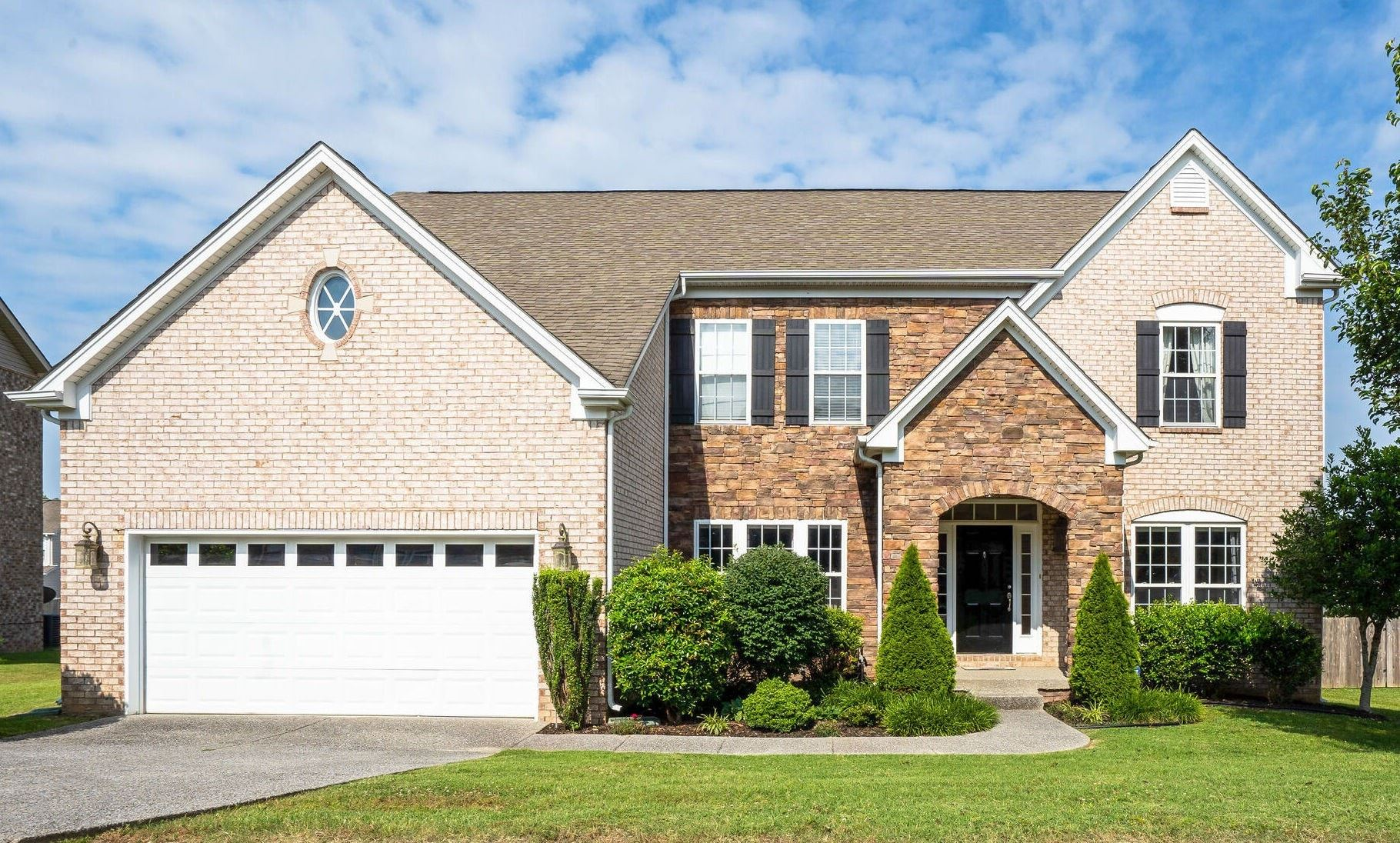 Photo of 1009 Queens Pl, Spring Hill, TN 37174 (MLS # 2292543)