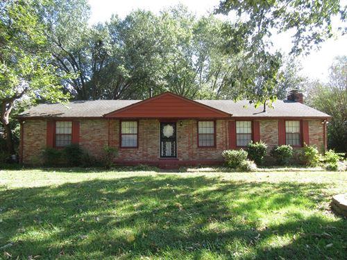 Photo of 108 Chestnut Dr, Clarksville, TN 37042 (MLS # 2299545)