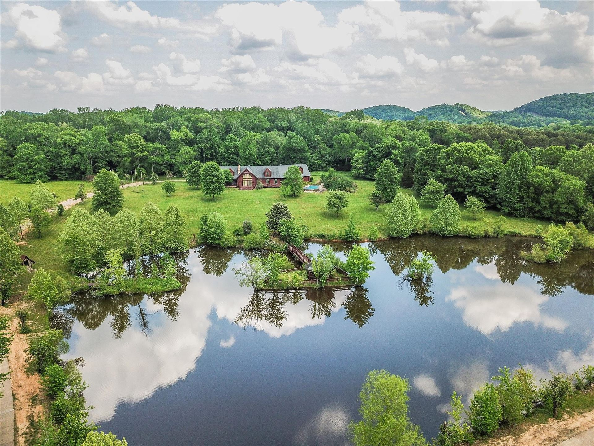 Photo for 1398 Narrows Of The Harpeth Rd, Kingston Springs, TN 37082 (MLS # 2161551)