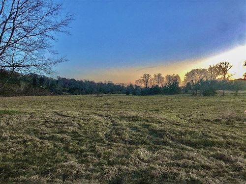 Photo of 0 Railroad Rd, Lot 1, Shelbyville, TN 37160 (MLS # 2220554)