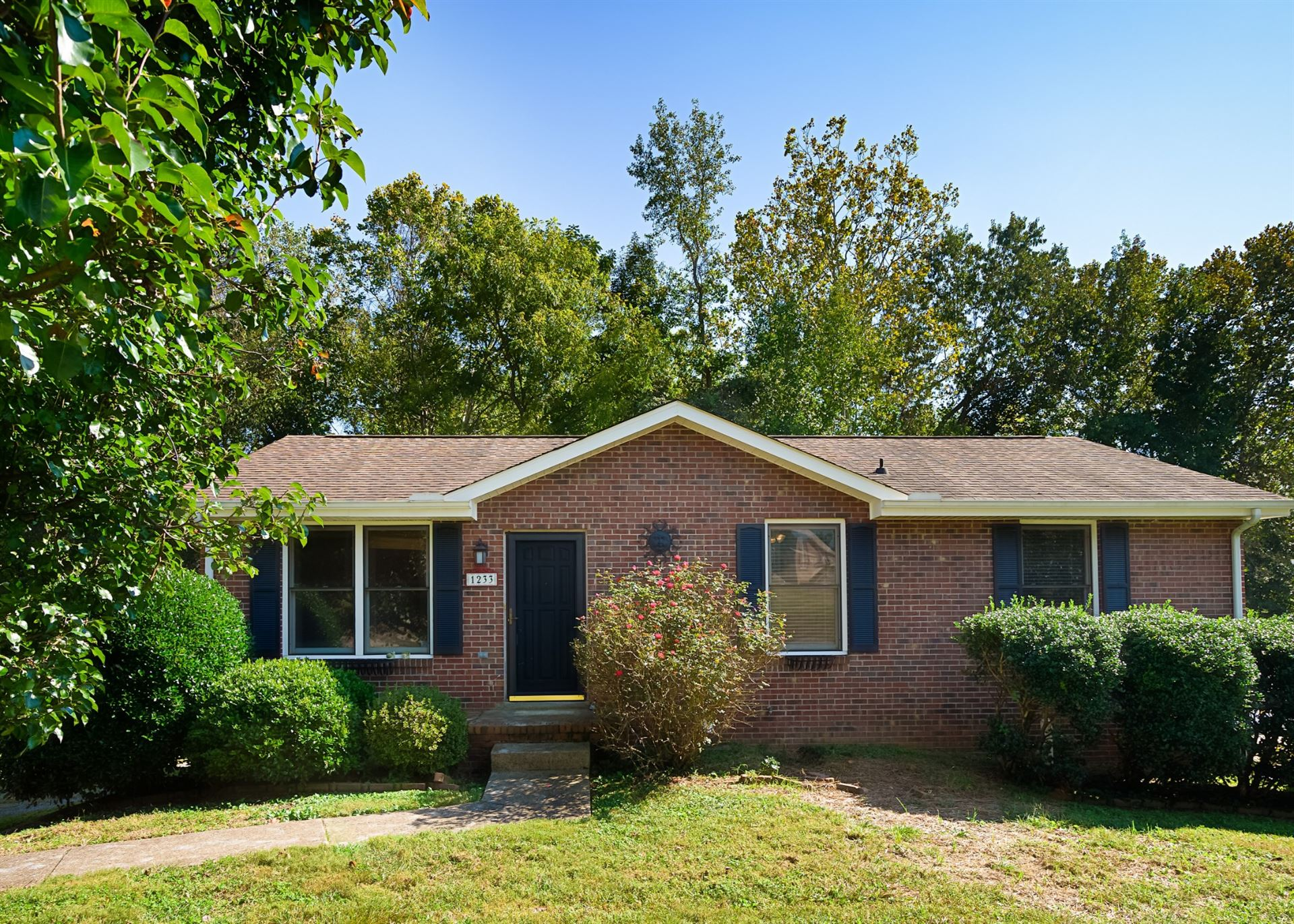 1233 Cottonwood Dr, Clarksville, TN 37040 - MLS#: 2298557
