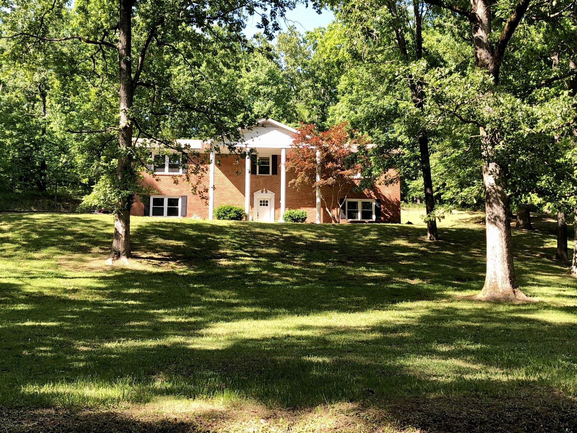 303 Rustling Oaks Dr, Waverly, TN 37185 - MLS#: 2255569
