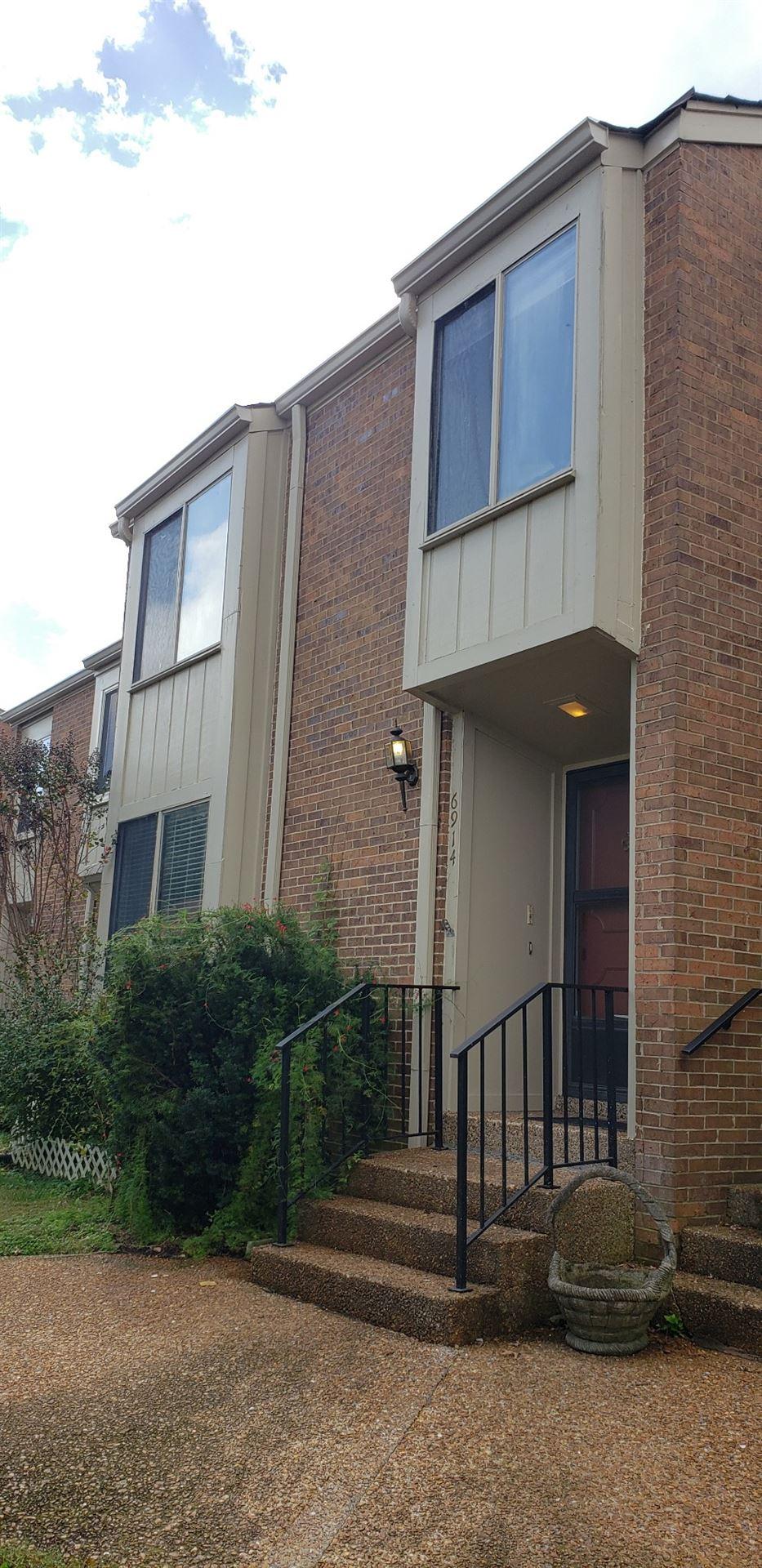 Photo of 6914 Highland Park Drive, Nashville, TN 37205 (MLS # 2300569)