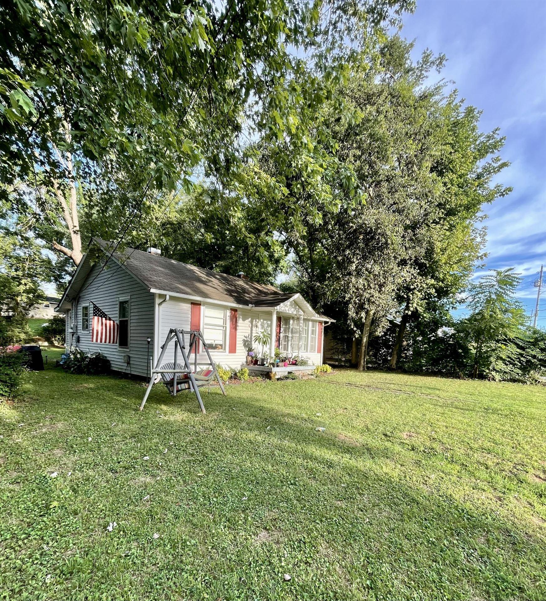 428 Andrews Ave, Hartsville, TN 37074 - MLS#: 2283580