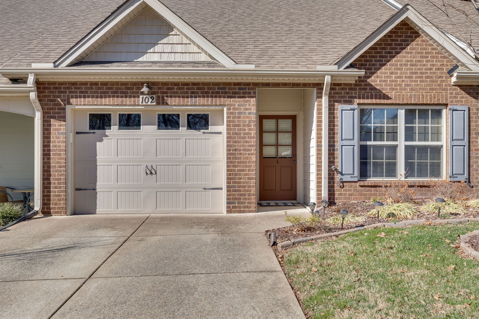 Photo of 102 Westview Dr, Spring Hill, TN 37174 (MLS # 2232594)