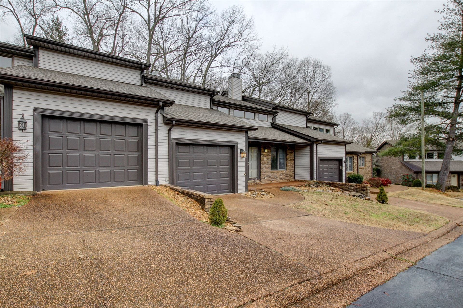 423 Country Club Ct, Clarksville, TN 37043 - MLS#: 2222596