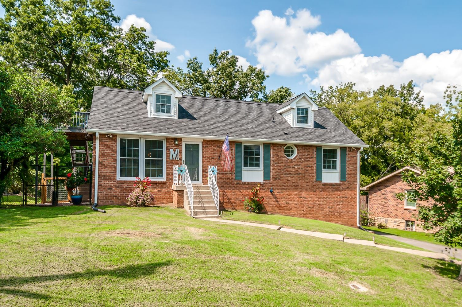 Photo of 112 Jacksonian Dr, Hermitage, TN 37076 (MLS # 2189610)