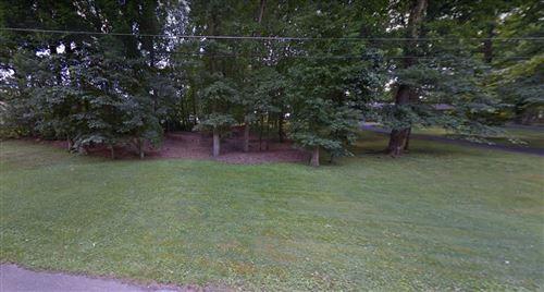 Photo of 313 Gale Lane, Lawrenceburg, TN 38464 (MLS # 2165620)