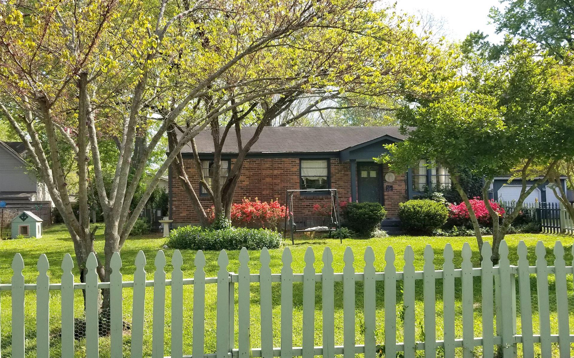 421 Roberts St, Franklin, TN 37064 - MLS#: 2213624