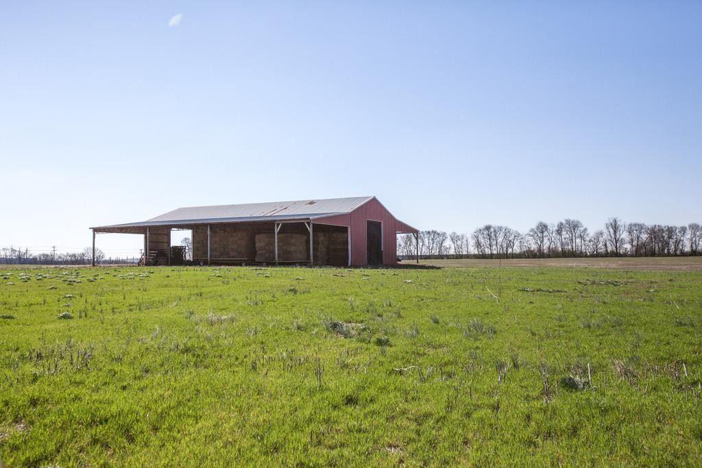 Photo of 825 Beechcroft Rd, Spring Hill, TN 37174 (MLS # 2233634)