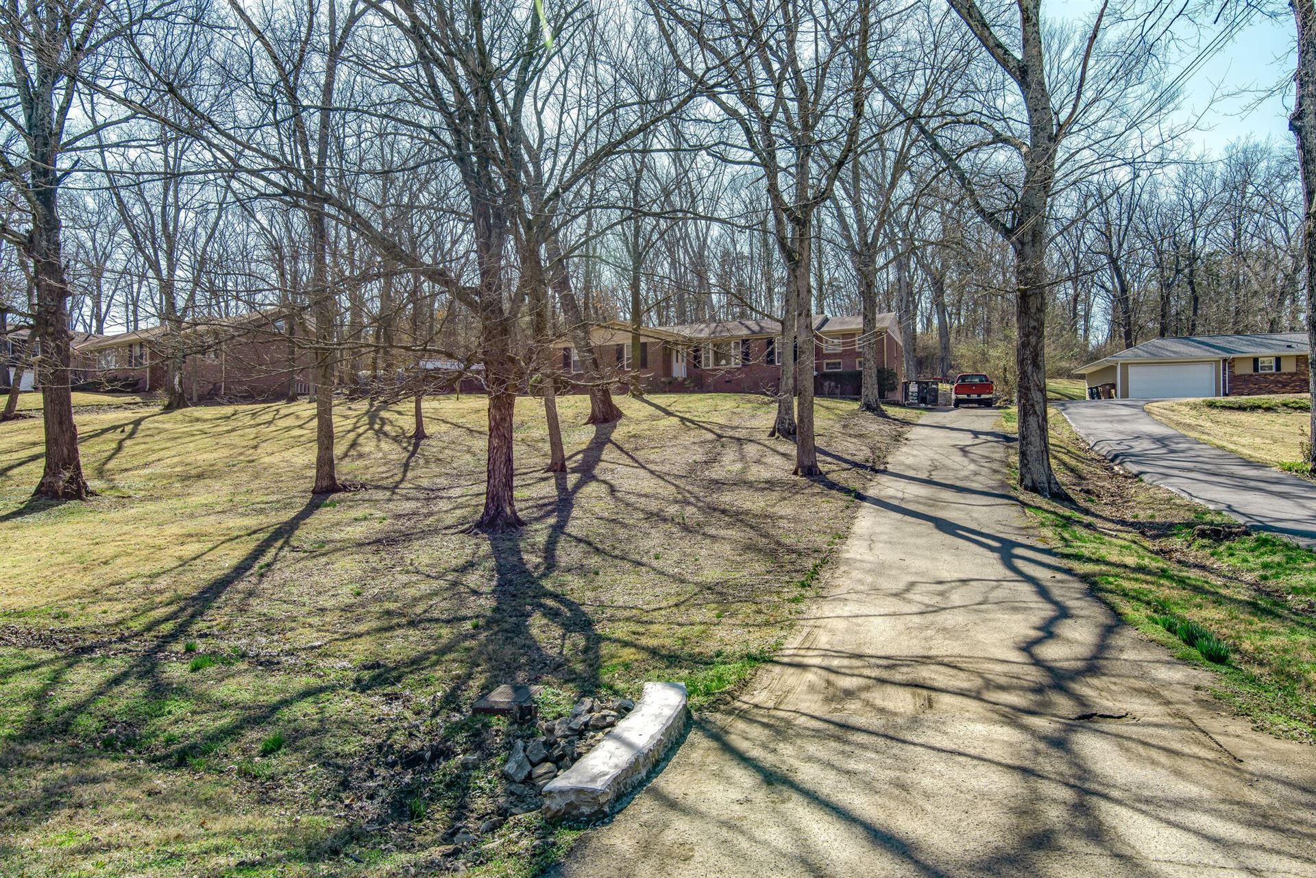 Photo of 703 Clematis Dr, Nashville, TN 37205 (MLS # 2233638)