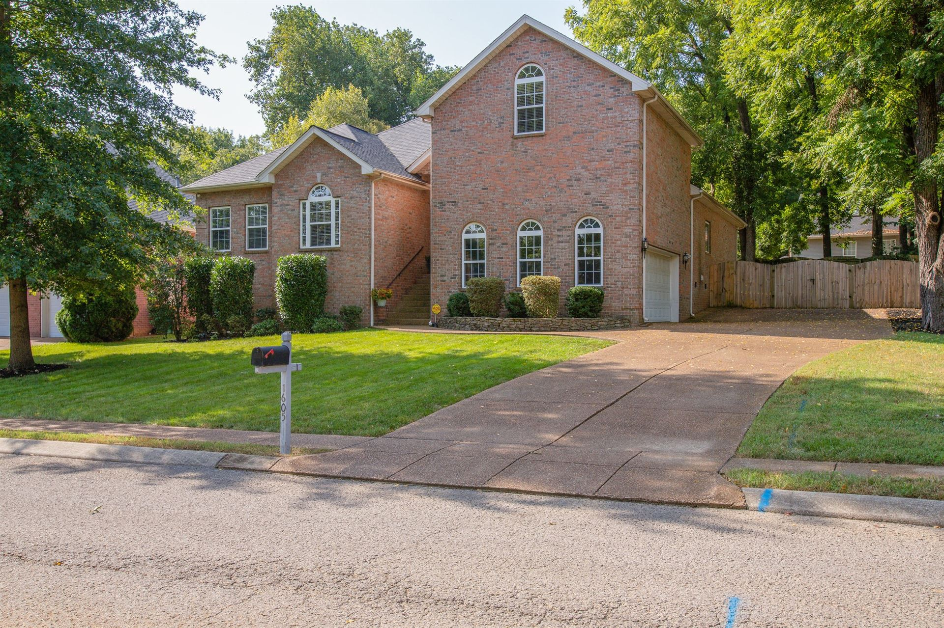 Photo of 1605 Inverness Dr, Spring Hill, TN 37174 (MLS # 2291649)