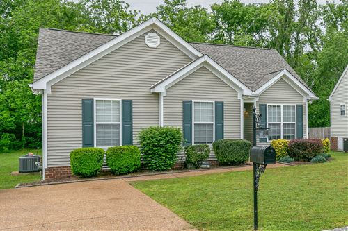 Photo of 1317 Branchside Ct, Thompsons Station, TN 37179 (MLS # 2146652)