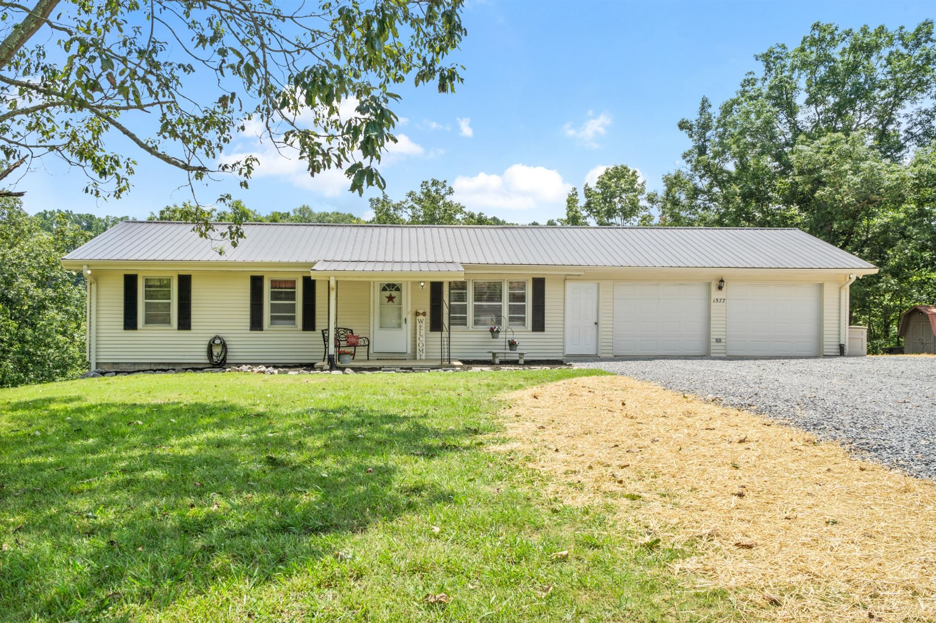 Photo of 1577 Mobley Ln, Erin, TN 37061 (MLS # 2167663)