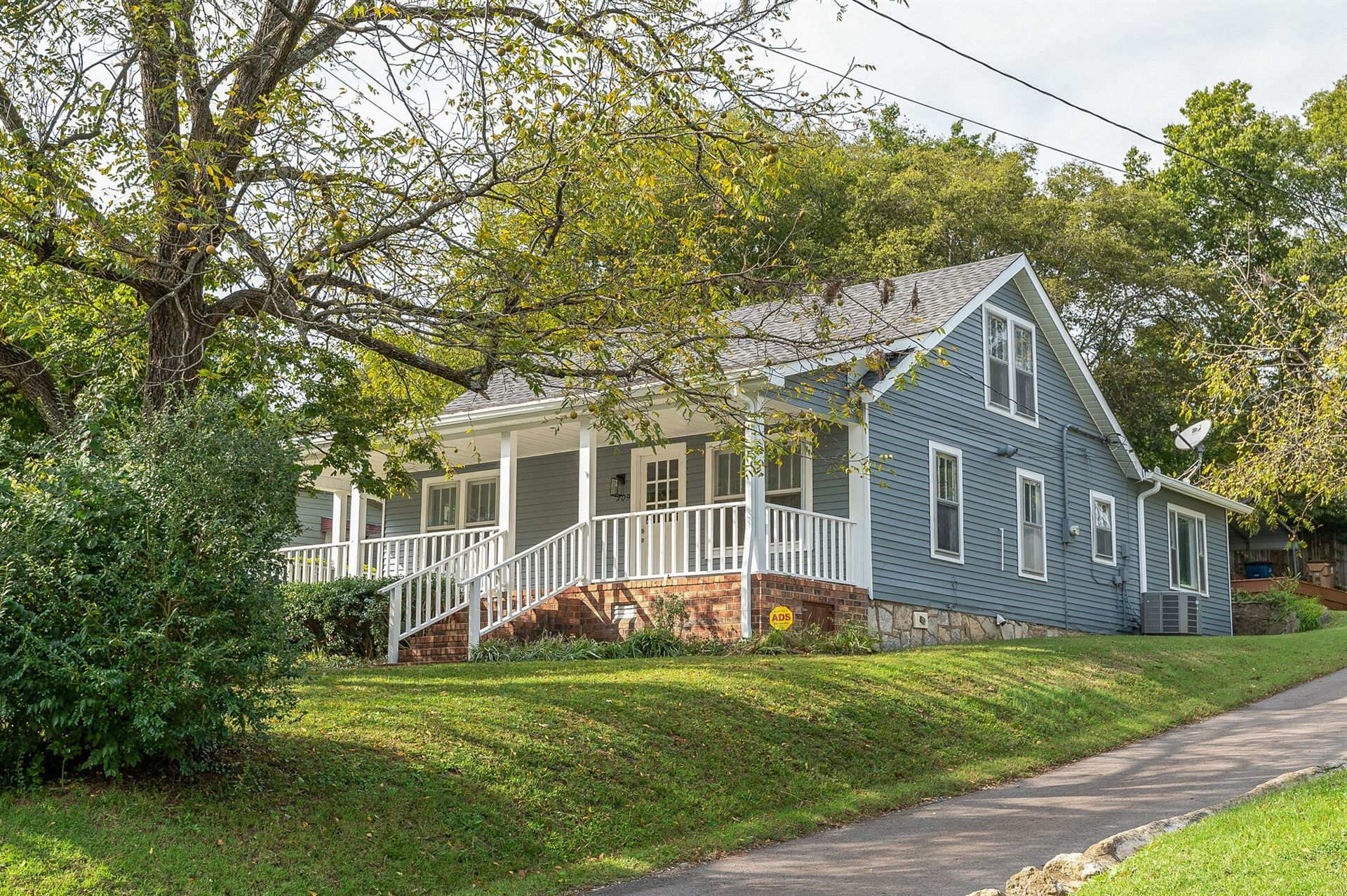 209 W Cedar St, Goodlettsville, TN 37072 - MLS#: 2300667
