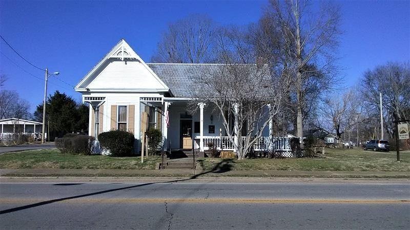 401 Cumberland St E, Cowan, TN 37318 - MLS#: 2212668