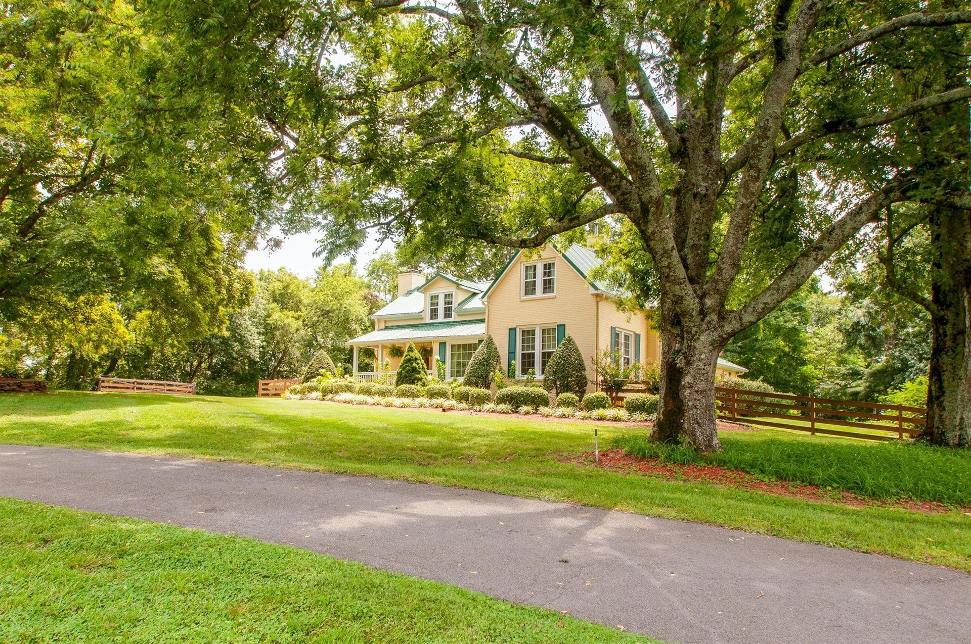 Photo of 5330 Weber Rd, Hermitage, TN 37076 (MLS # 2125678)