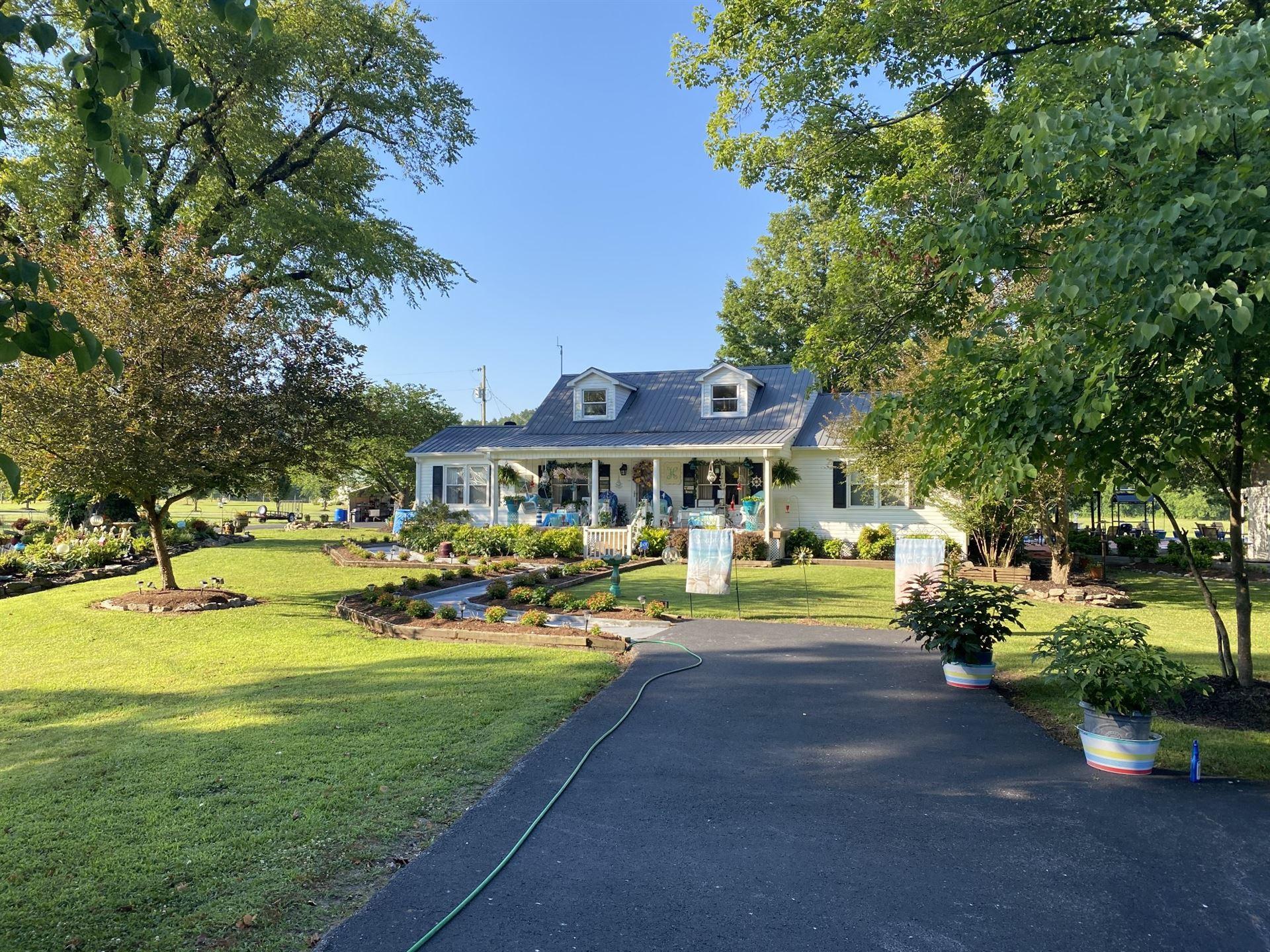Photo of 3010 Arnold Hollow Rd, Waynesboro, TN 38485 (MLS # 2161682)