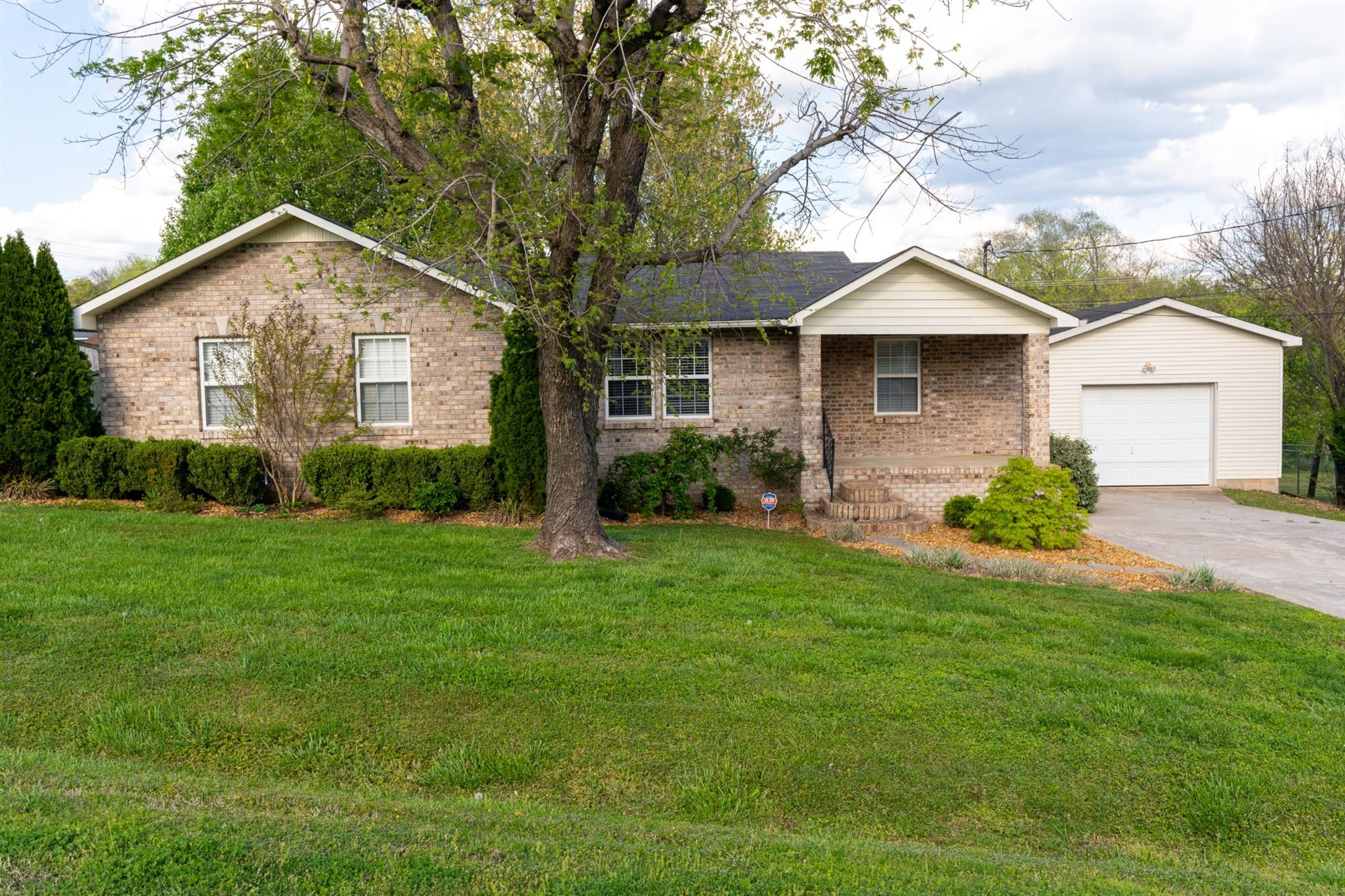303 Russell St, Winchester, TN 37398 - MLS#: 2243683