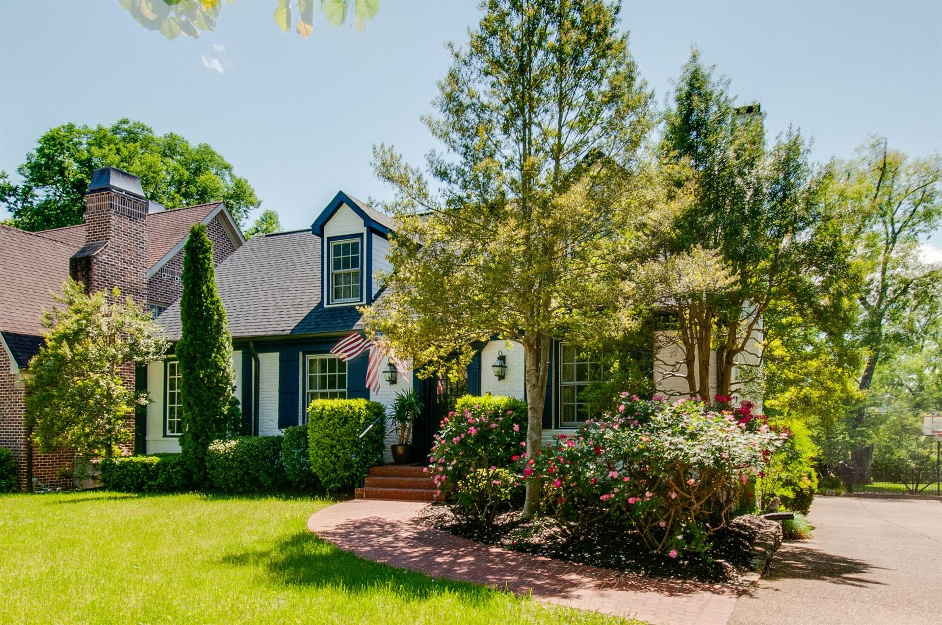 Photo of 120 Blackburn Avenue, Nashville, TN 37205 (MLS # 2156698)