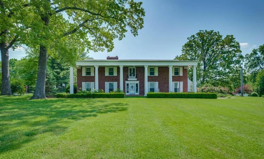 Photo for 609 N Washington Ave, Cookeville, TN 38501 (MLS # 1959699)