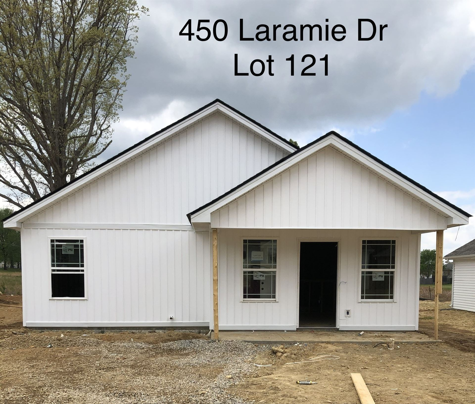 Photo of 450 Laramie Dr, Springfield, TN 37172 (MLS # 2246734)