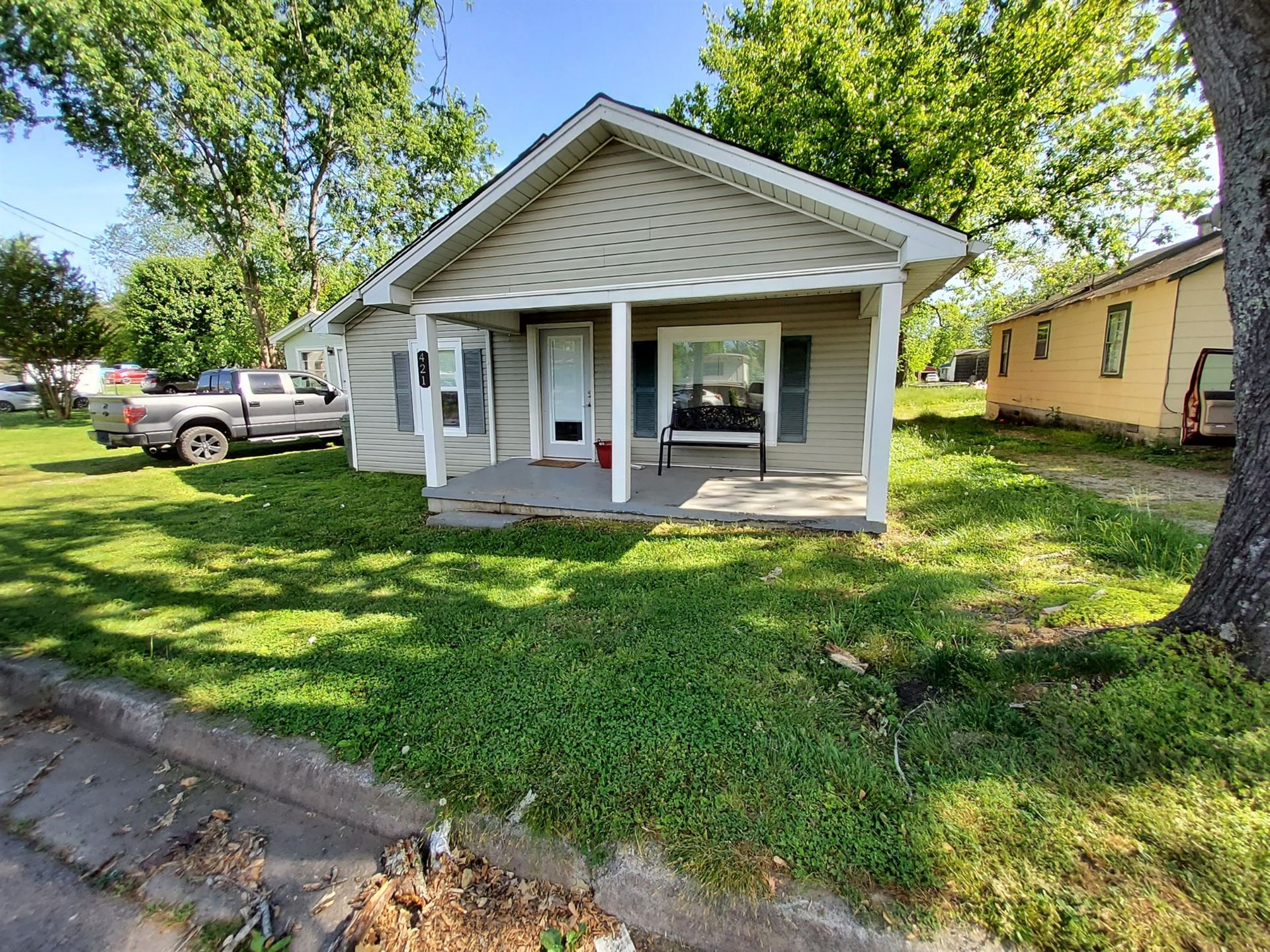 421 5th St, Lawrenceburg, TN 38464 - MLS#: 2249739