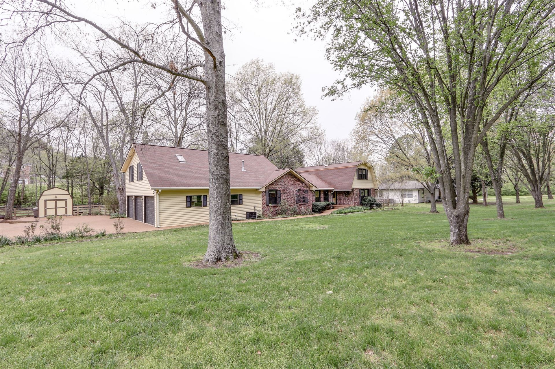 Photo of 881 Holly Tree Gap Rd, Brentwood, TN 37027 (MLS # 2136748)