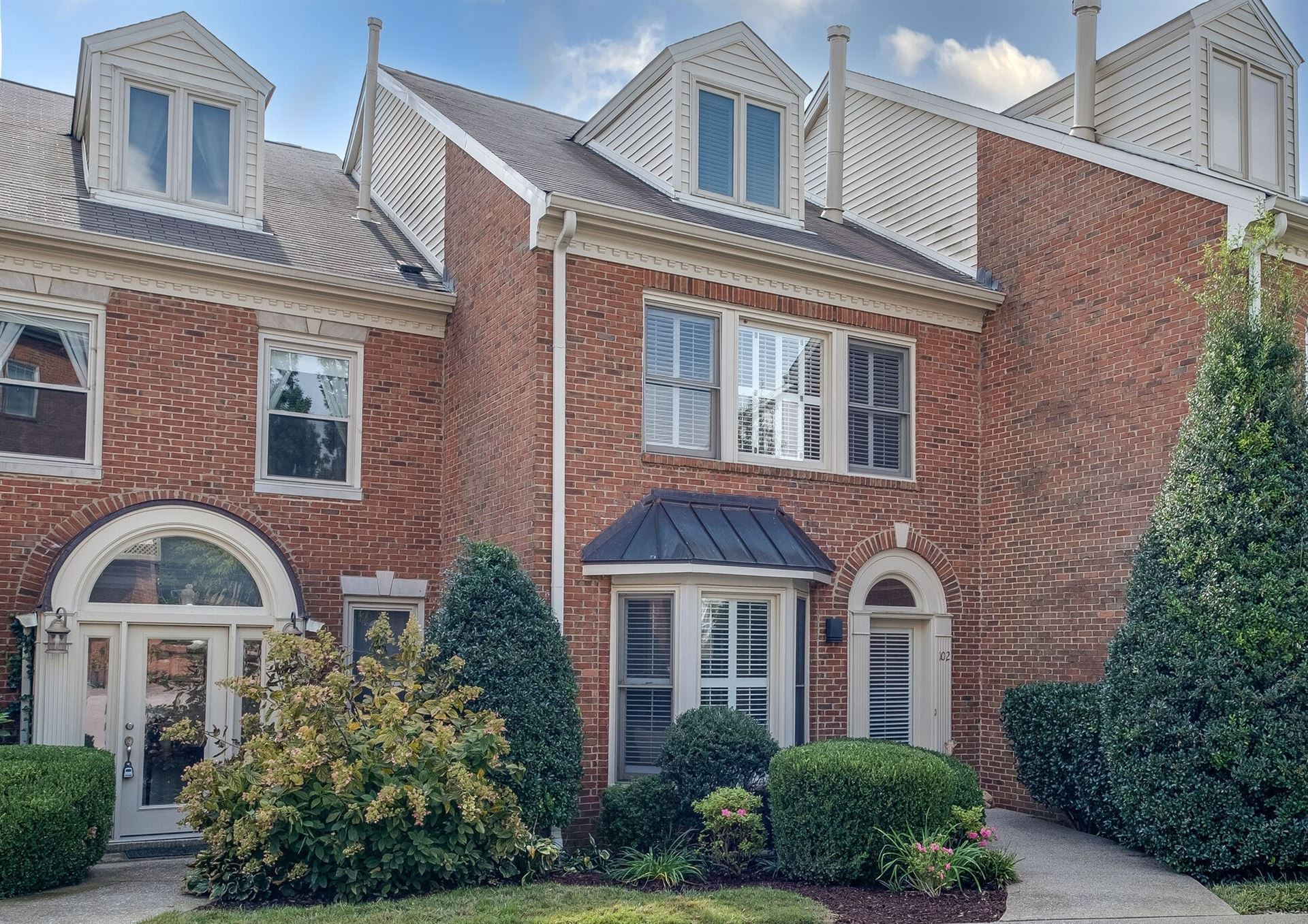 Photo of 102 Forest Place Cir, Nashville, TN 37215 (MLS # 2301760)