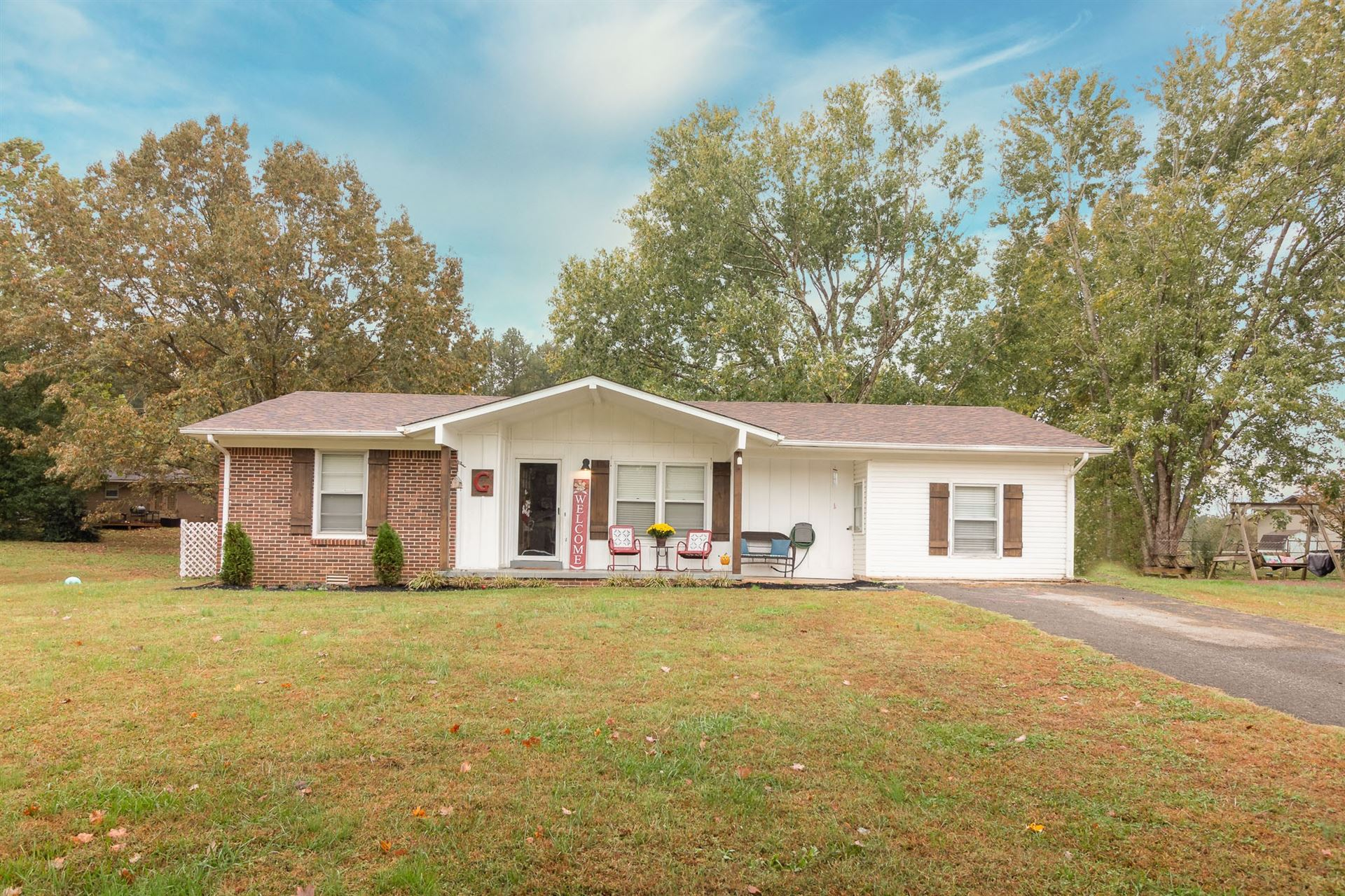 Photo of 1709 Whippoorwill Dr, Lawrenceburg, TN 38464 (MLS # 2201763)