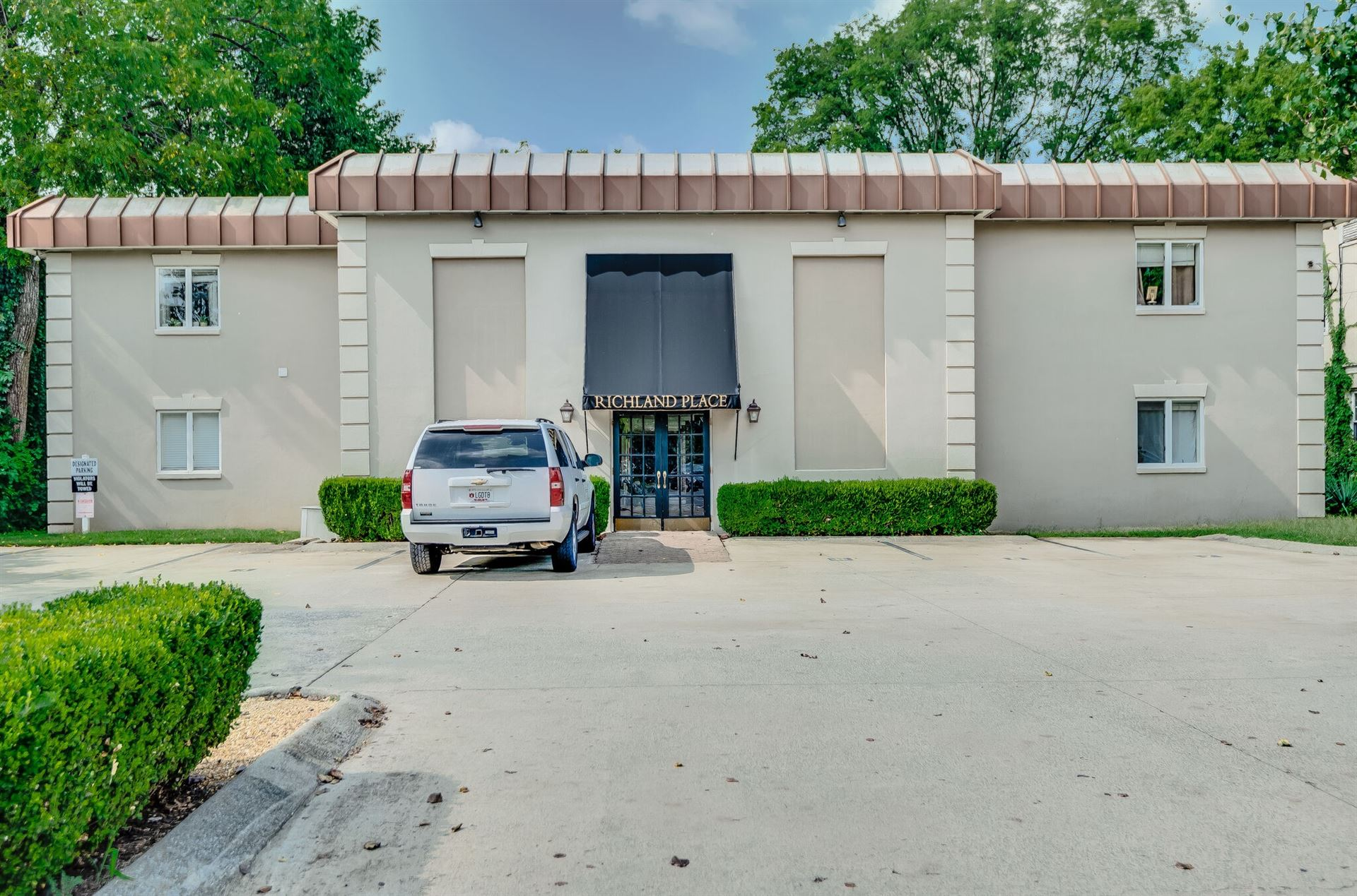 Photo of 3520 W End Ave #5, Nashville, TN 37205 (MLS # 2190769)
