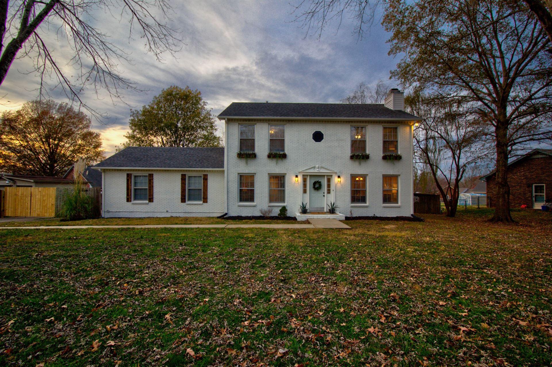 1330 Oak Hill Dr, Clarksville, TN 37040 - MLS#: 2209773