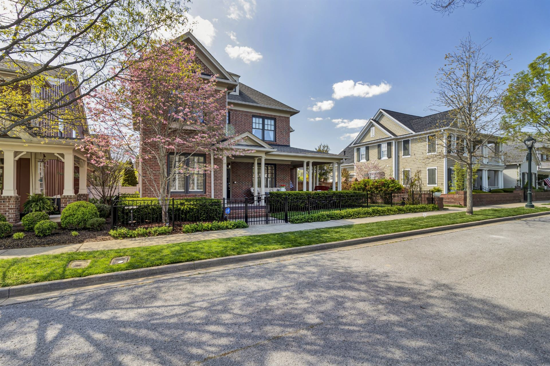 Photo of 533 Ardmore Pl, Franklin, TN 37064 (MLS # 2243778)