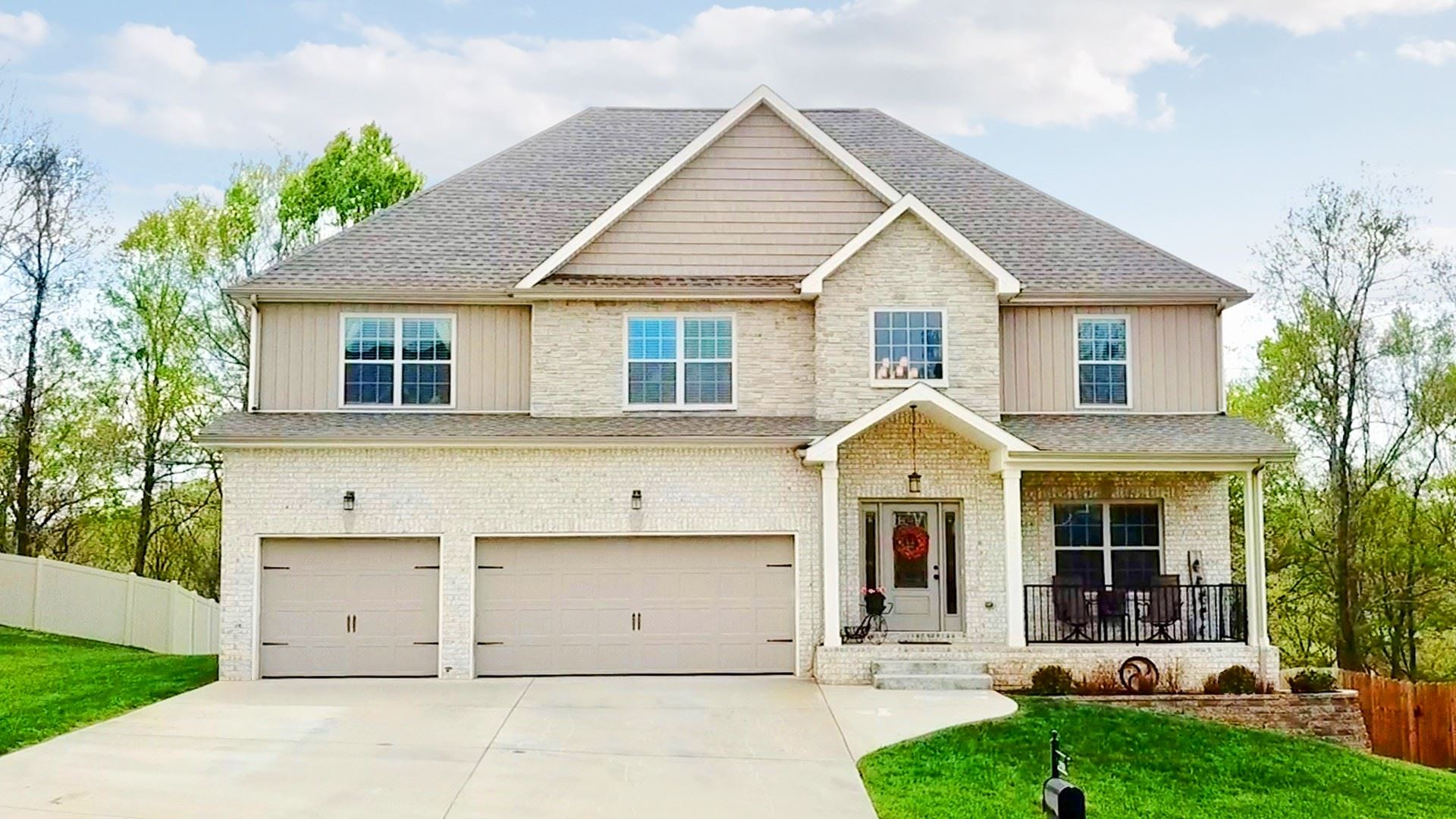 Photo of 3153 Timberdale Dr, Clarksville, TN 37042 (MLS # 2246784)