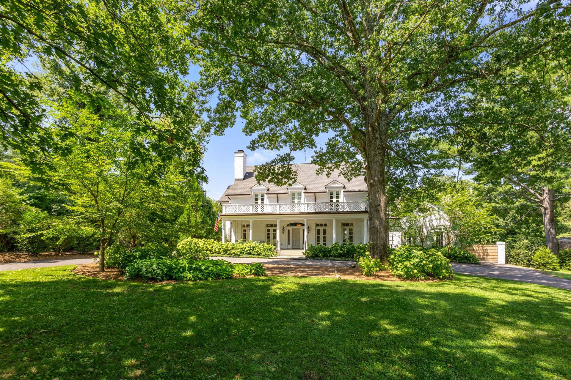 Photo of 811 Lynnbrook Rd, Nashville, TN 37215 (MLS # 2178791)